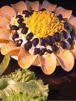 Салат «Подсолнух» с чипсами - классический рецепт