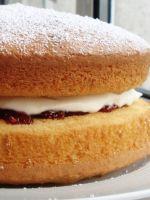 Крем для бисквитного торта - простой рецепт