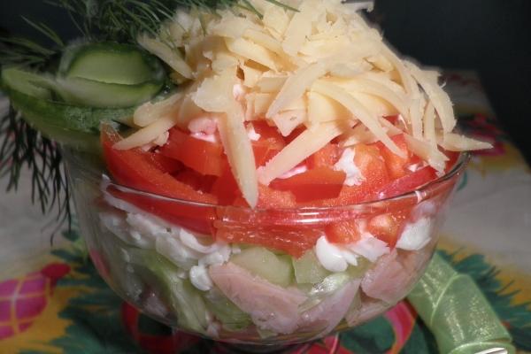 Салат коктейль с ветчиной и сыром рецепт