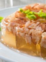 Холодец из свиной рульки – 5 лучших рецептов праздничного блюда