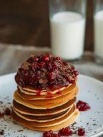 Панкейки на кефире – самые вкусные и простые рецепты американского блюда