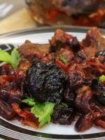 Мясо с черносливом - оригинальные рецепты вкусного горячего блюда