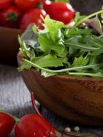 Салат с рукколой - рецепты легких закусок на каждый день
