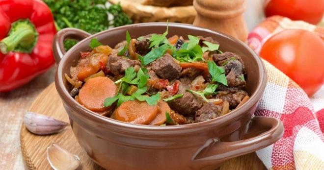 Мясо тушеное с овощами - простые и оригинальные рецепты вкусного блюда с подливкой