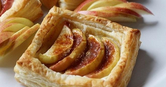 Слойки с яблоками - рецепты вкусной выпечки из слоеного теста