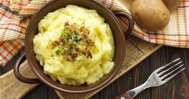 Приготовить вкусное пюре из картошки с яйцом