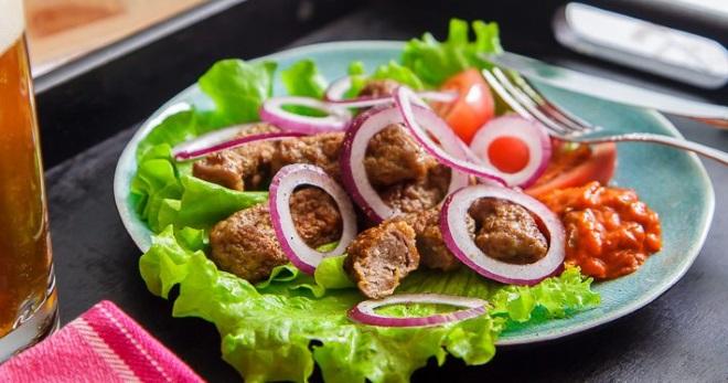 Чевапчичи - рецепты вкусных колбасок и несколько способов их приготовления