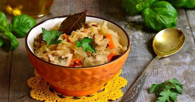 Солянка из капусты с грибами - самые вкусные рецепты простого русского блюда