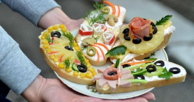 Бутерброды на праздничный стол - лучшие способы дополнить меню вкусными закусками