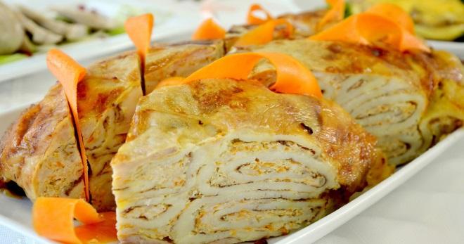 Курица фаршированная блинами - необыкновенное блюдо для торжественного стола