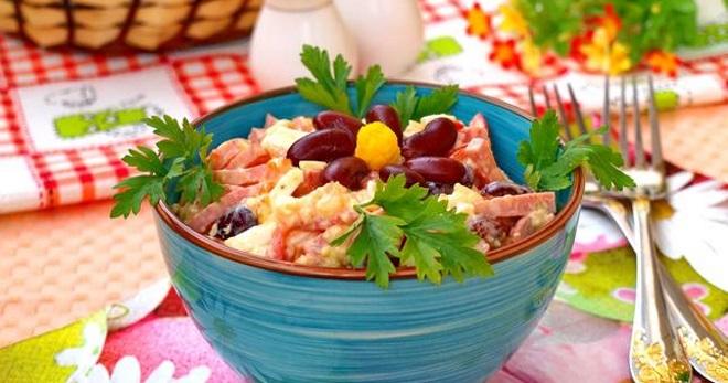 Салат с фасолью и колбасой - лучшие рецепты закуски с разными ингредиентами