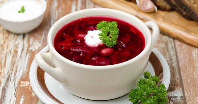 Горячий свекольник - классический рецепт вкусного и сытного первого блюда