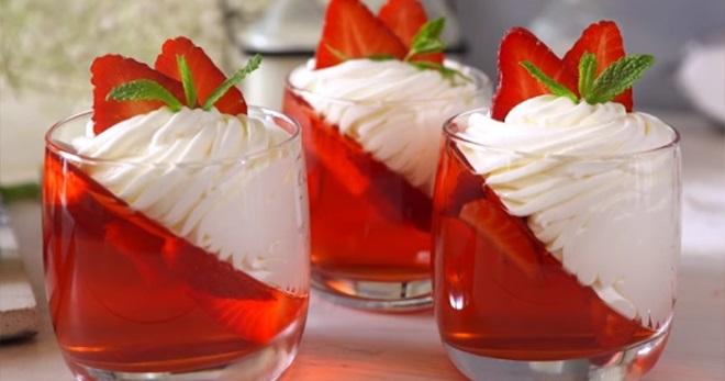 Желе из клубники - оригинальный десерт для любителей сладких ягодных угощений