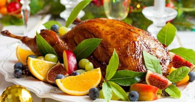 Как приготовить утку целиком в духовке по понятным рецептам?