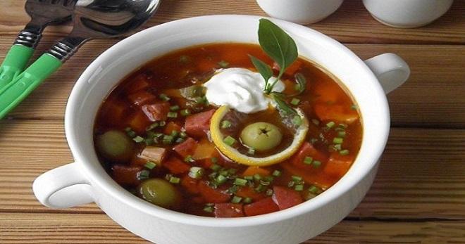 Сборная солянка с колбасой - простые и вкусные рецепты сытного густого супа