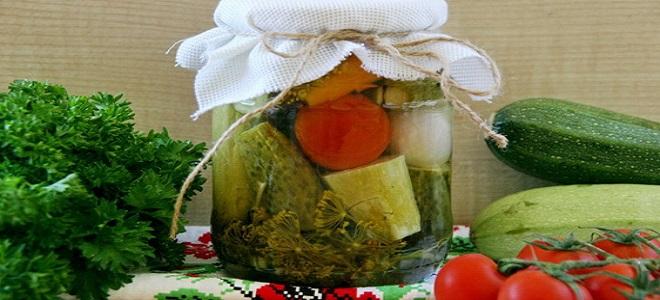 Ассорти из кабачков, помидор и огурцов