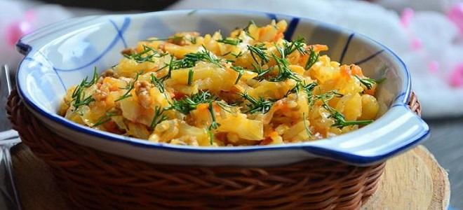 Бигус с рисом и свежей капустой