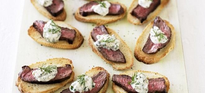 Бутерброды с мясом на праздничный стол