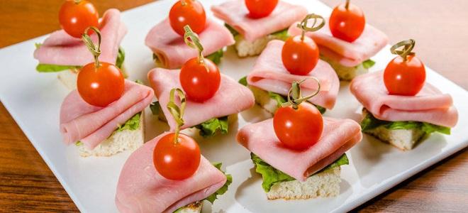 Бутерброды с ветчиной на праздничный стол