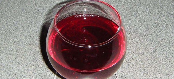 Простой домашнего вина из малины