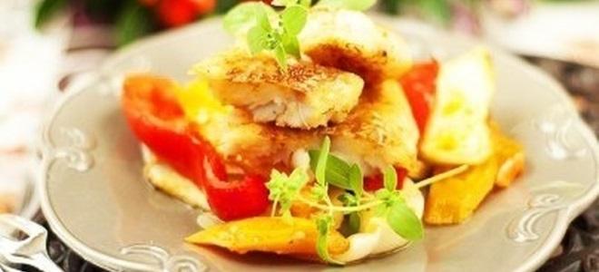 Минтай в духовке под овощами рецепт