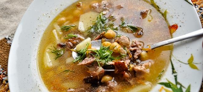 гороховый суп с нутом и копченостями