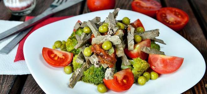 горячий салат с говяжьей печенью