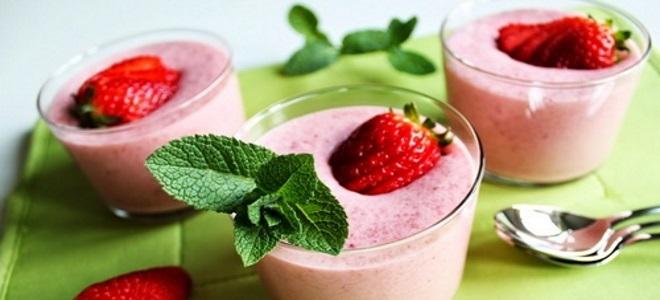 клубнично йогуртовый мусс