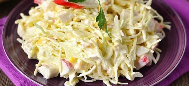 салат с капустой белокочанной и крабовыми палочками
