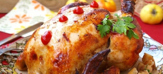 Курица с яблоками в духовке в рукаве