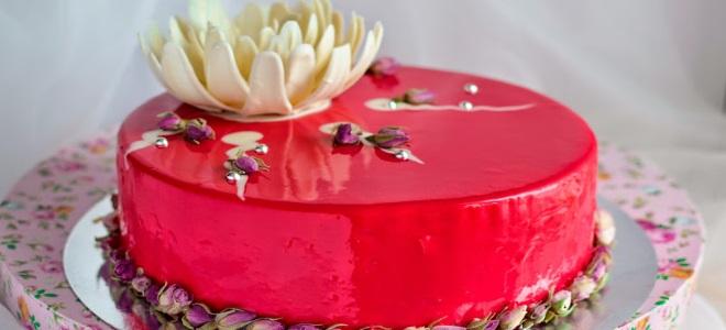 муссовый торт красный бархат с зеркальной глазурью