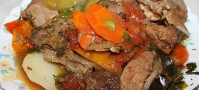 мясо тушеное в пиве с овощами