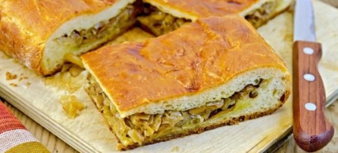 Сладкий пирог на кефире в духовке