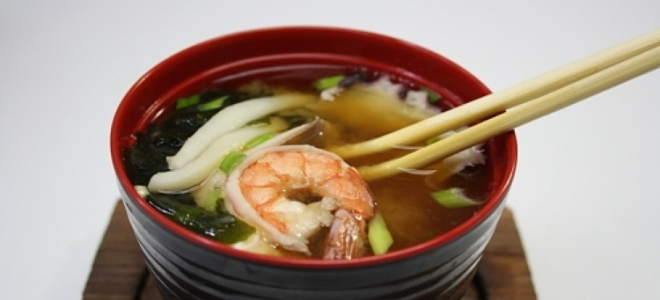 Острый суп с креветками