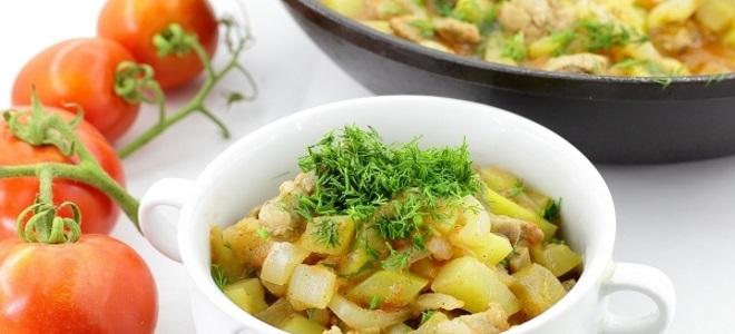 овощное рагу с кабачками и мясом
