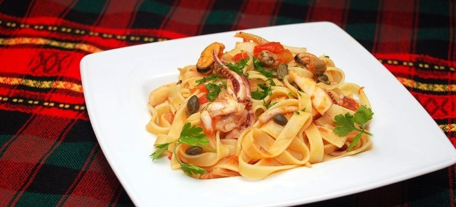 Паста с замороженными морепродуктами рецепт с фото