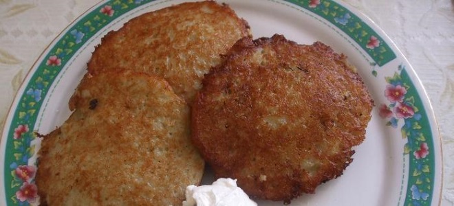 Печеночные оладьи с картошкой