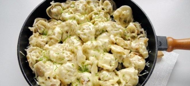 Жареные пельмени на сковороде рецепт с фото