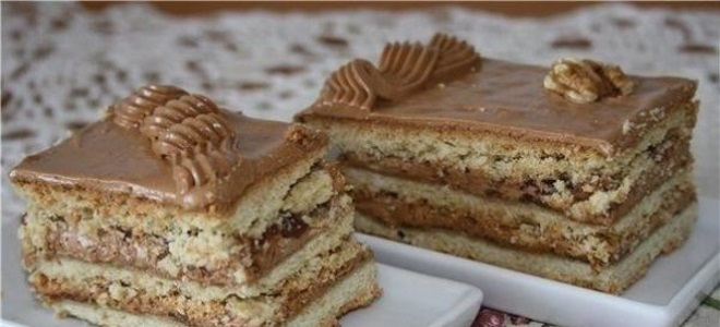 Торт песочный с кремом из сметаны и вишней рецепт