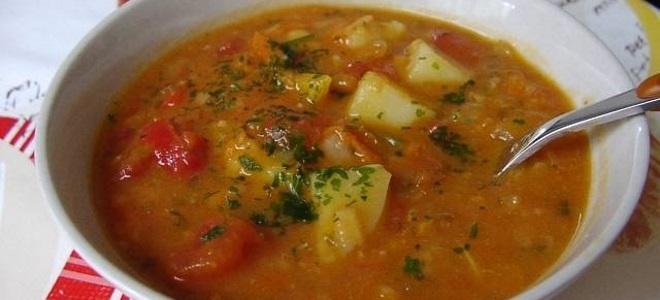 Постный гороховый суп с томатной пастой