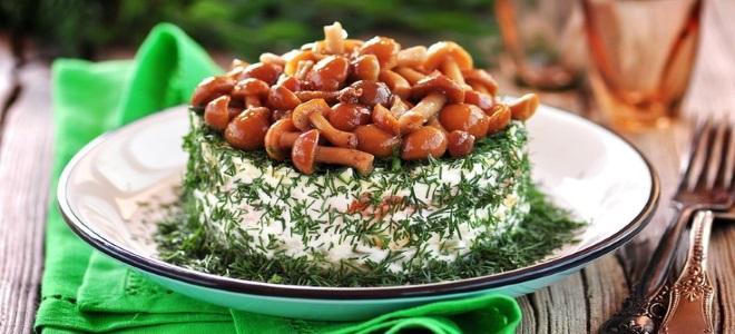 постный праздничный салат с грибами