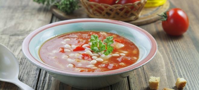 Постный томатный суп с фасолью
