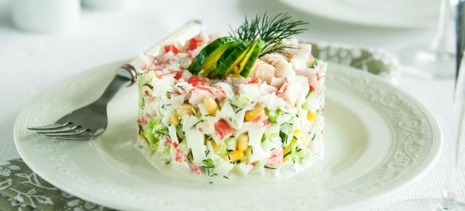 Праздничный салат из крабовых палочек