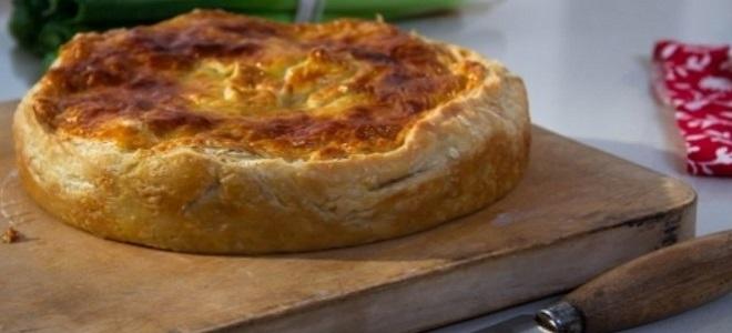 Наливной пирог с мясом и картошкой с