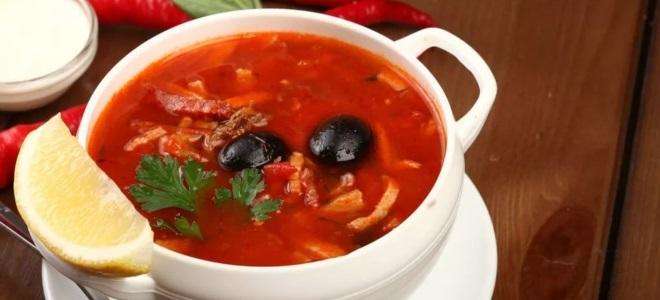 Рецепт солянки с колбасой и оливками