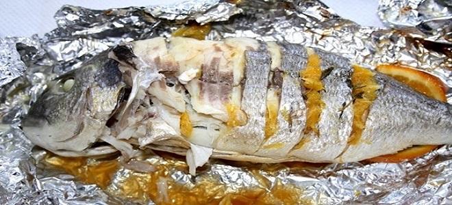 Рыба в фольге на мангале