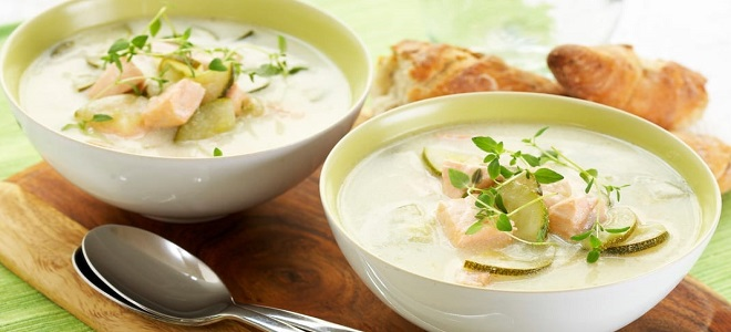 Рыбный суп с кабачками