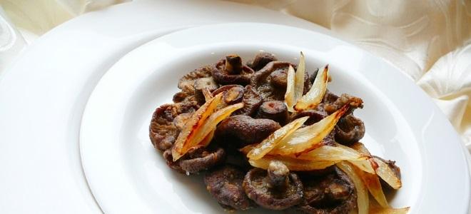 Рыжики с картошкой жареные - рецепт