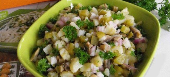 Салат из соленых зеленых помидор