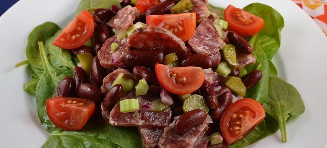 Салат с фасолью, сыром и помидорами - 6 пошаговых фото
